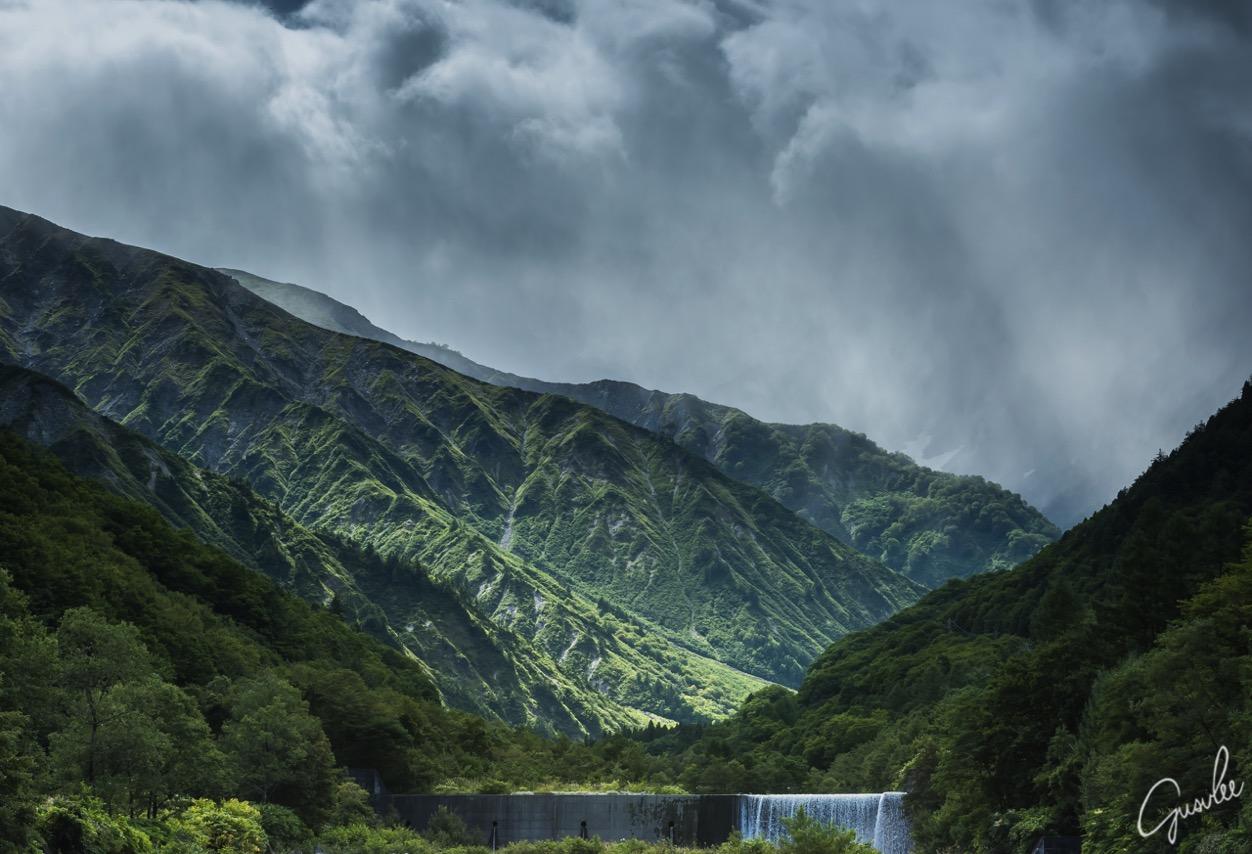 有名な撮影スポットの白馬岳