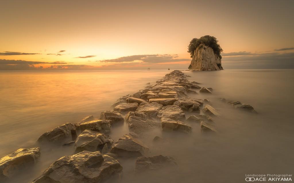 石川県の見附島の朝