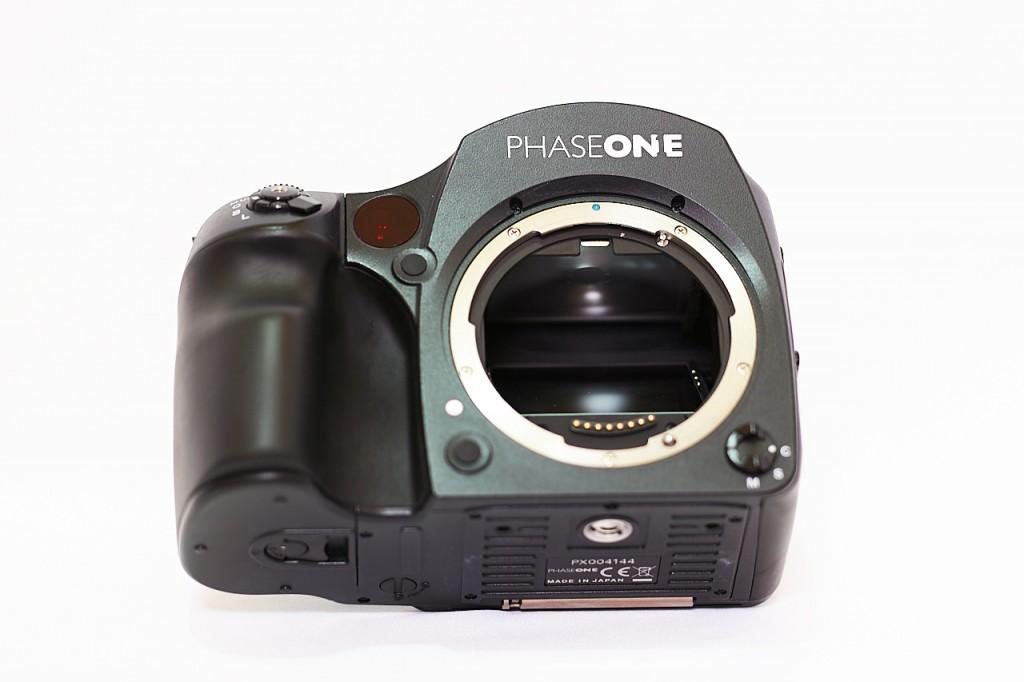 Phase Oneの645DF+, 645DFのフォーカシングスクリーンを掃除する方法